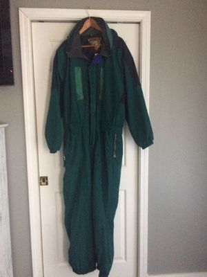 One piece men's ski jumpsuit. Size XL for Sale in Walkersville, MD