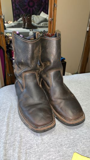 Size 10 1/2 Work boots for Sale in Mustang, OK