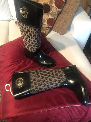 Michael Kors designer dress rain boots ,used ,comfortable and keeps your feet dry easy to wipe clean for Sale in Clarksville, TN