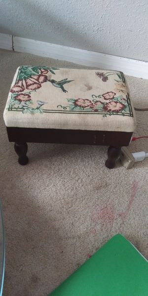 Small foot stool for Sale in Ocoee, FL