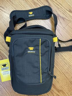 Mountainsmith Zoom Medium Camera Bag for Sale in Aurora,  CO