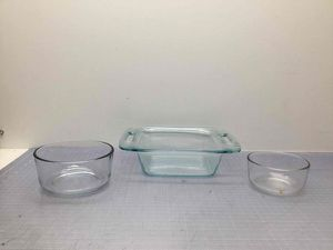 Lot of Pyrex Ovenware Clear Bowls and Dish Mix for Sale in San Jose, CA