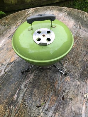 Weber charcoal grill 14 inches for Sale in Aldie, VA