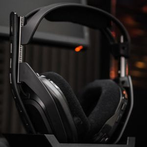 ASTRO A50 4TH GENERATION PS4 WIRELESS GAMING HEADSET for Sale in San Jose, CA