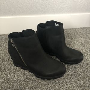 Sorel Joan of arc Wedge boot- Size 9.5 for Sale in Aurora, CO