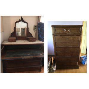 Antique 1700s dresser and dresser desk set for Sale in Waimea, HI