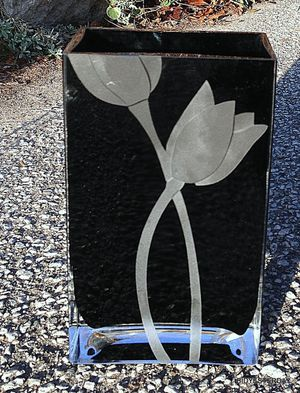 1980s mid century modern art black art glass vase w etched tulip flowers ! for Sale in Saginaw, MI