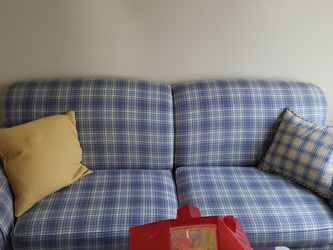 Broyhill Pullout Sofa for Sale in Winter Garden,  FL