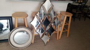 Walls mirrors / pick up . Se habla espanol for Sale in Land O Lakes, FL