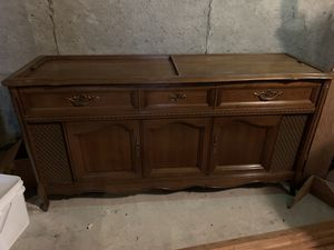 Magnavox Stererphonic record player and radio for Sale in Taylorsville, UT