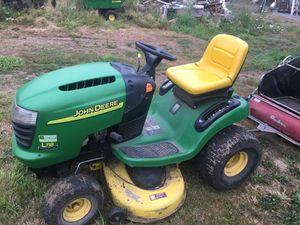 John Deer lawn mower for Sale in Enumclaw, WA
