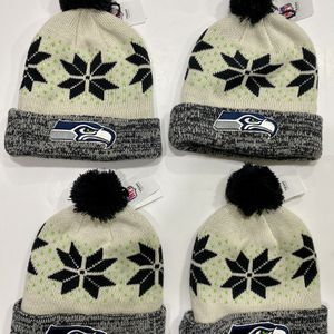 SEAHAWKS 4 winter hats set for Sale in Kenmore, WA