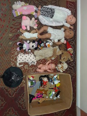 Dolls and small toys lot , 25+ pieces for Sale in Lansing, IL