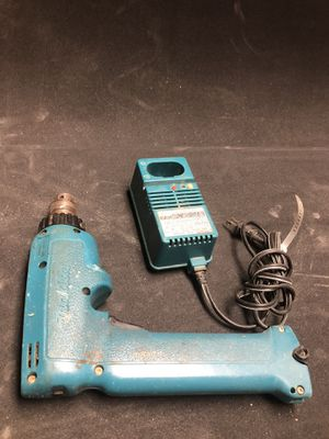 Makita Cordless Drill and charger for Sale in Palmdale, CA