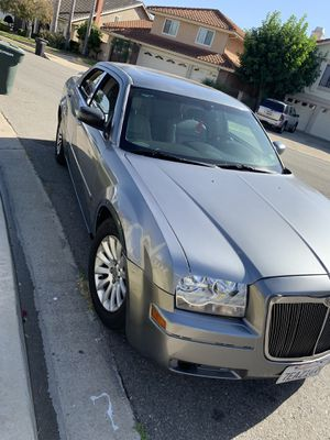 Chrysler 300 Limited edition for Sale in Santa Ana, CA