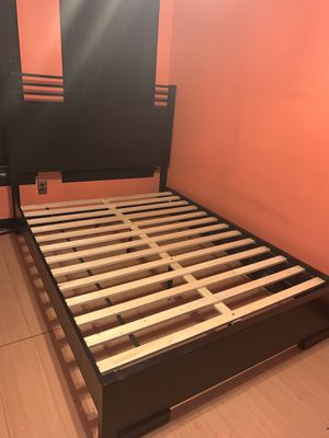 Black Queen Size Bed Frame for Sale in Philadelphia, PA