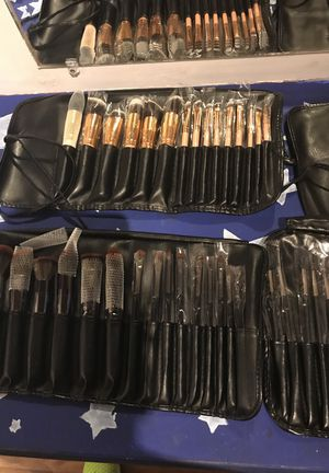 4 Brand New Makeup Brush Sets for Sale in Atlanta, GA