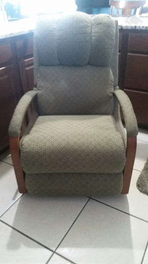 Lazy Boy reclining chair green and wood for Sale in Port Charlotte, FL