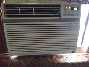 Lg window air conditioner unit for Sale in Austin, TX