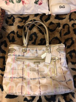 Authentic Coach Canvas Spring & Summer Large Tote. for Sale in Bristol, PA