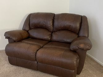 Small Couch $0 pickup today Only! Must Go! for Sale in Las Vegas,  NV
