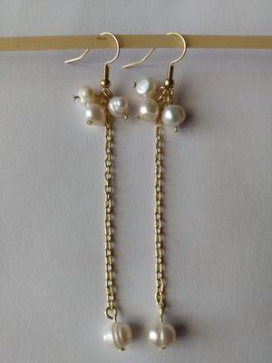 Natural fresh water Pearl Earring falling coconut cute and stylish for Sale in Peoria, IL