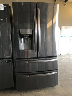 Lg 4 door for Sale in Miami, FL