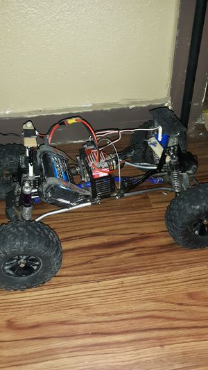 Rc Cralwer Red car gen 7 roller for Sale in Cheyenne, WY