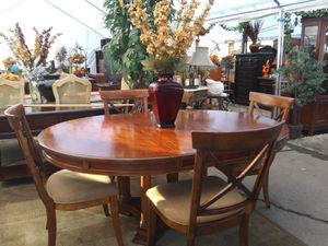 Dining table for Sale in Berenda, CA