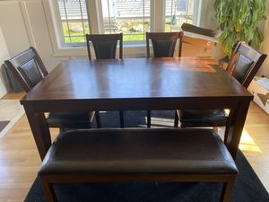 6-Piece Dining Set With Bench for Sale in North Bend, WA