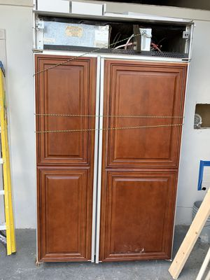 Wood doors Refrigerator for Sale in Coconut Creek, FL