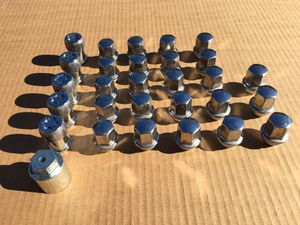 Jeep Wrangler wheel locks and lug nuts for Sale in Lakeside, CA