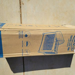 Graco Travel Lite Crib with Stages for Sale in Los Angeles, CA