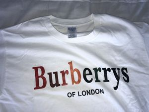 Burberrys T-shirt Size M for Sale in Miami, FL