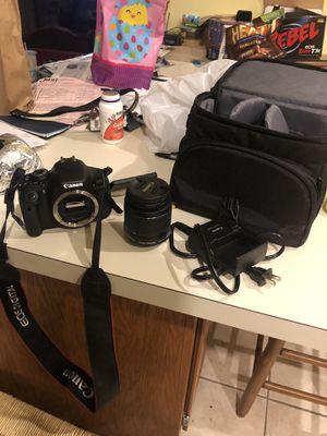 Canon t3i dslr camera for Sale in Joliet, IL