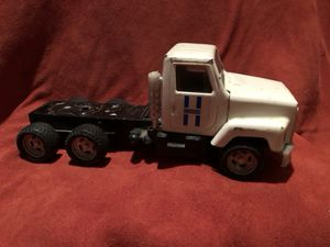 Vintage ertl truck rig! Metal and plastic construction! for Sale in Levittown, PA
