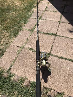 Cana y cajita de pescar complétala con carrete for Sale in National City, CA