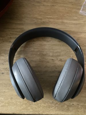 Beats by Dre Studio 3s for Sale in Gibsonton, FL