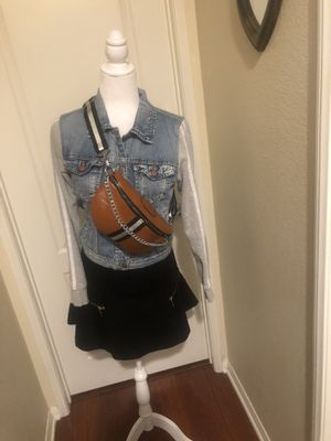 Stripe Waist Belt Bag/Shoulder Crossbody Chest Bag Fanny Pack with Chain for Sale in San Diego, CA