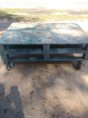Pallet coffee table for Sale in Milton, FL