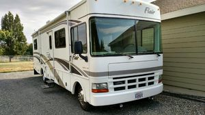 2001 Flair-Fleetwood M-31A for Sale in Puyallup, WA