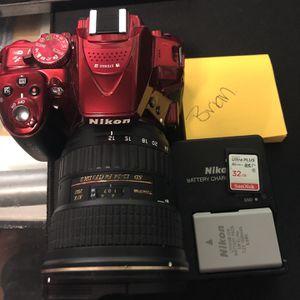 Nikon Camera D5300 + Lens for Sale in Bell Gardens, CA