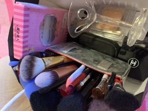 Makeup bundle ( pick up only for Sale in Los Angeles, CA