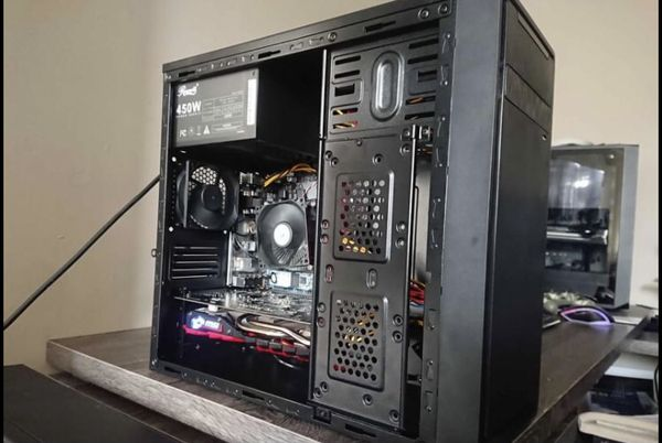 Budget medium pc. Great deal. Comes with RGB keyboard.