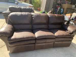 Couch and loveseat for Sale in Brentwood, CA