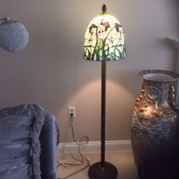 Stained Glass floor lamp 3ft tall