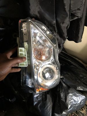 G 37X headlight assembly for Sale in Baltimore, MD