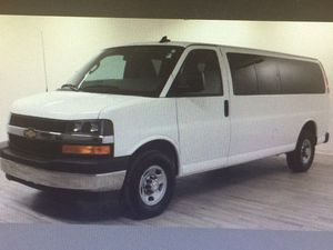 2017 Chevy Express passenger LT van for Sale in St. Louis, MO