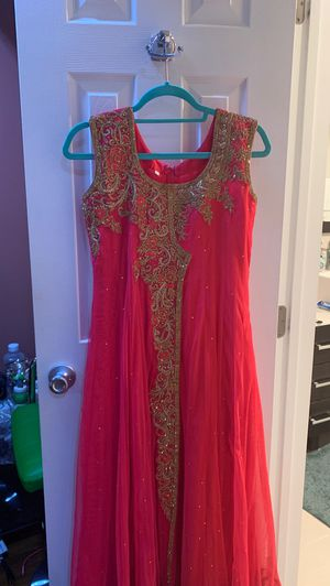 Brand new Shalwar suit 3 pieces (S) size for Sale in Alexandria, VA