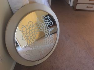 Decorative wall mirror for Sale in Las Vegas, NV